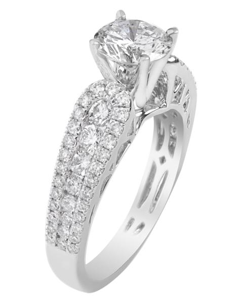 photo of solitaire round diamond ring
